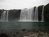 原尻の滝を下から見上げる