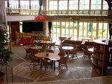 ダイニング・カフェの前のスペース