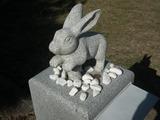 白兎神社参道の兎の石像