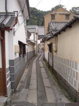 倉敷美観地区 本町 奥の方で絵を描いてます