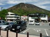 華厳の滝駐車場からの男体山