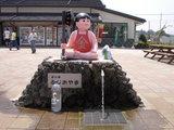道の駅 ふじおやま 金太郎の像とお水