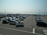 駐車場の海岸沿いにはカメラマンがずらり