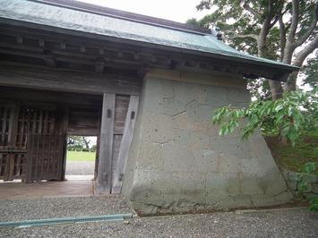 松前城 本丸御門 外側