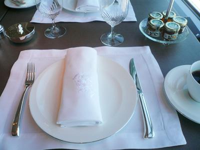 シャングリラホテル東京で朝食