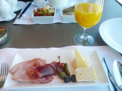 朝食はヨーロピアン