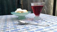 ハチミツ小鉢とグラス