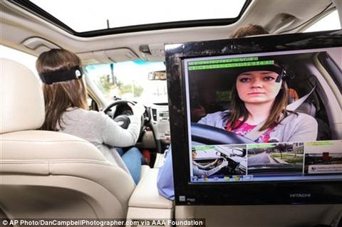 AppleのSiriは最悪の「無礼者」「最もドライバーの注意を逸らせる音声システム」