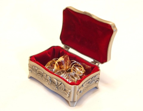 jewellery-2192121_1280