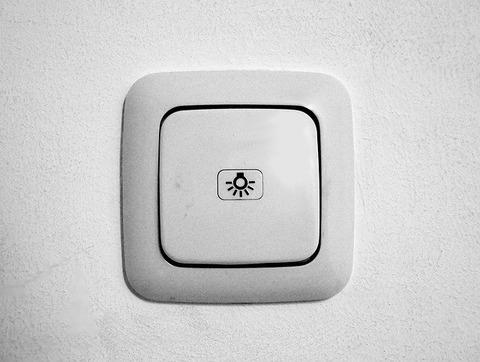 light-switch-1519735_640