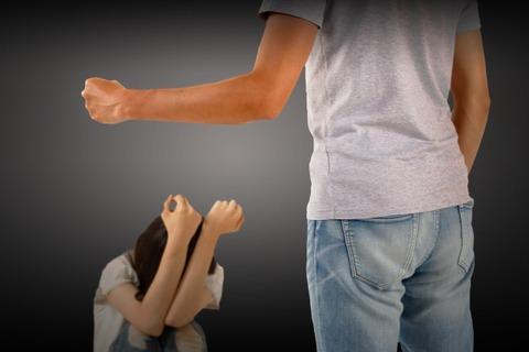 行為レス、高圧的、DV。こんな旦那と離婚したいけど、離婚話ししたら暴れたり殴られたりで近所に迷惑がかかるので言い出せない...
