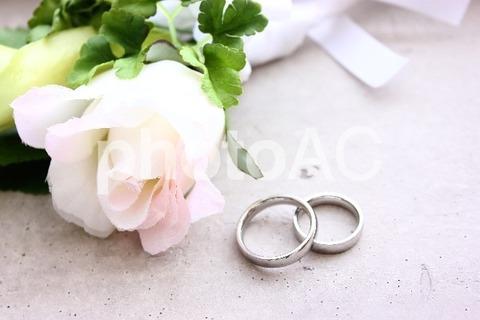 【修羅場】婚約者の彼と婚約指輪について話しをした「私もアラサーだし、さすがにヨンドシーは無いかなー」その一週間後サプライズでプロポーズ!婚約指輪が...
