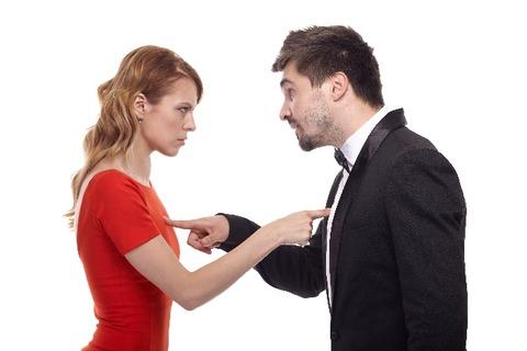 相談者→結婚して半年、夫から喧嘩の勢いで離婚を突きつけられました。顔も合わさず離婚って。住人→そう?俺しょっちゅう離婚するって騒いでるけどw