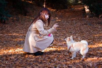 犬を飼い始めて夜の散歩が寒くて耳がジンジン痛むので旦那にニット帽が欲しいとお願いしたら…「オシャレして夜道歩いて誰か誘ってるんですかぁ?」って言われた