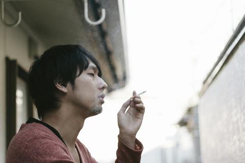 【フルボッコ】嫁のタンスから瓶に入ったタバコの吸い殻発見!ジャムサイズの瓶8個も。子供が欲しくて治療中なのに裏切りだ...