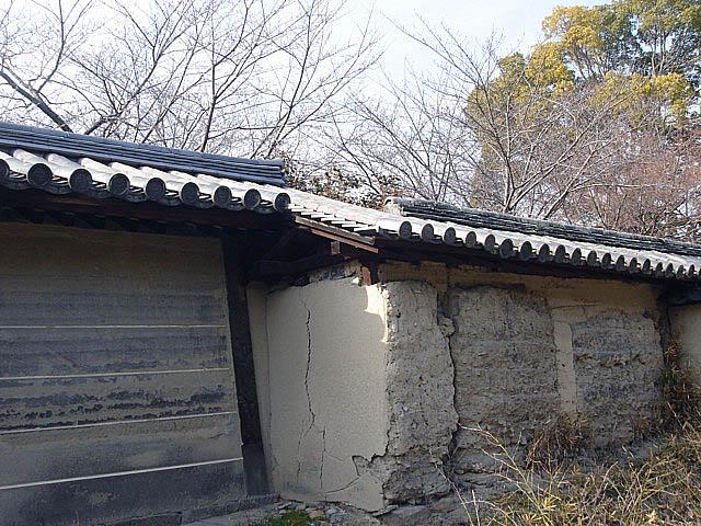 法隆寺 渋い土塀