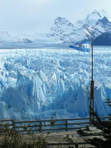 国旗と氷河
