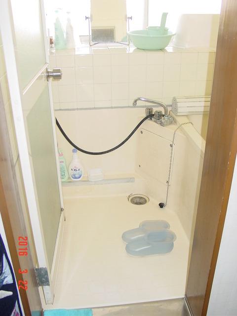 ⑫-2 浴室開き戸から折れ戸へ交換