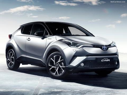 Toyota-C-HR-2017-800-02