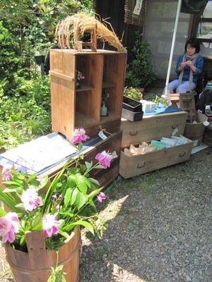 2012 5月の庭で蚤の市 077