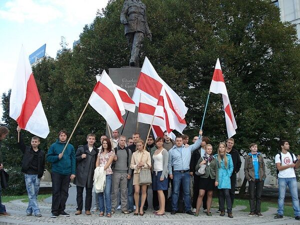 1024px-Dzień_Białoruskiej_Chwały_Wojskowej_2010_2