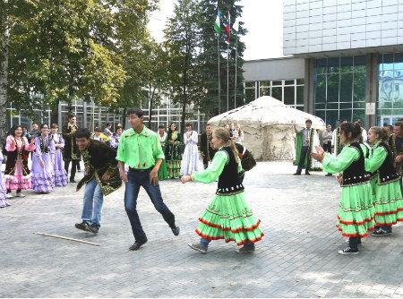 20120907ufa_dance