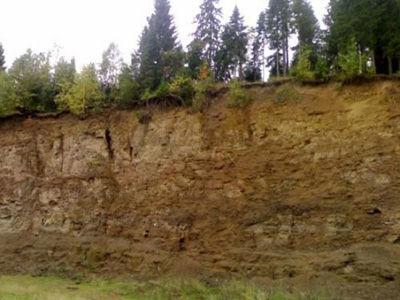 ペルム紀の地層も見られるペルミ...