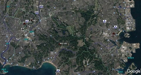 玉縄城~鶴岡八幡宮~金沢伝心寺位置関係 久良岐のよし