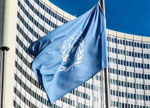 国連「レジ袋の代替品バイオプラスチックは環境に悪い!地球温暖化する!自宅にあるものを何回も使え!」