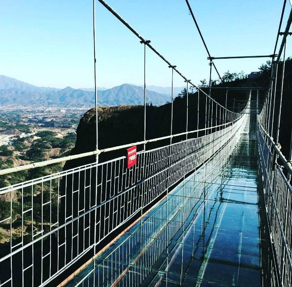 0_glassbridge