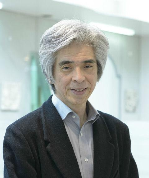 究極「薄毛予防法」を語る天皇陛下の理髪師…顔写真に異常な説得力あり【画像】