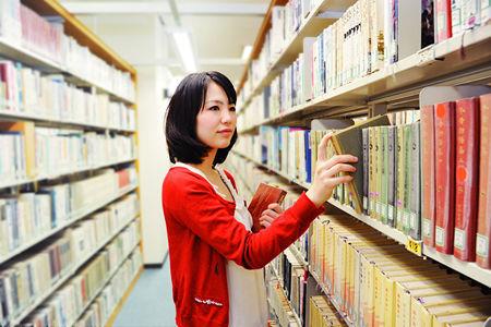 医学部行ける学力余裕であるのに女子が多いから文学部行く行こうとしてるんだけど