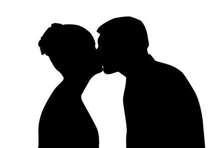 【悲報】大物YouTuber、キス画像が流出し炎上
