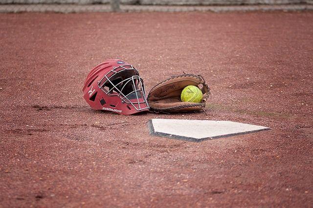 softball-1385212_640