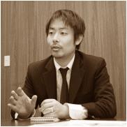 事業部長の木村