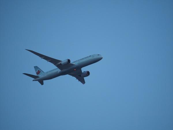 Air CANADA12047