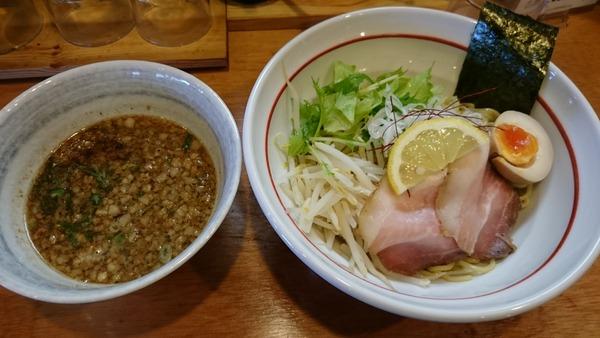 大津家 魚介ブラックつけ麺  (2)
