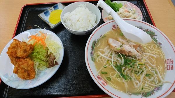 かもめ食堂 ラーメンから揚げ定食   (3)