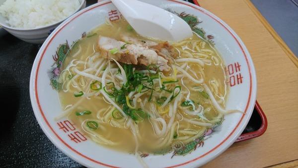 かもめ食堂 ラーメンから揚げ定食   (4)