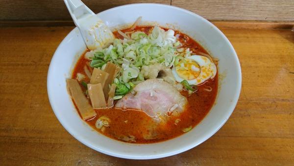 にんじん ホルモンラーメン  (2)