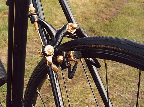 cinelli-golden-black-06