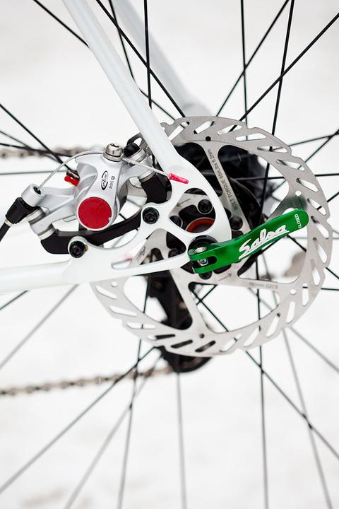royal-h-cycles-white-cross-bike-20