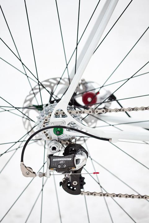 royal-h-cycles-white-cross-bike-19