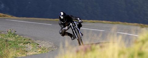 yasujiro-asphalt-gravity-bike-gessato-slide