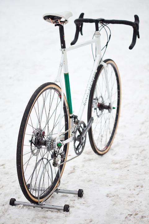 royal-h-cycles-white-cross-bike-14