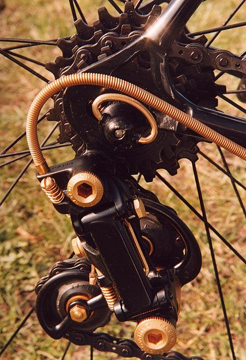 cinelli-golden-black-09