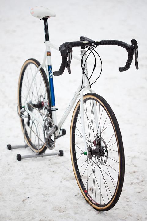 royal-h-cycles-white-cross-bike-15