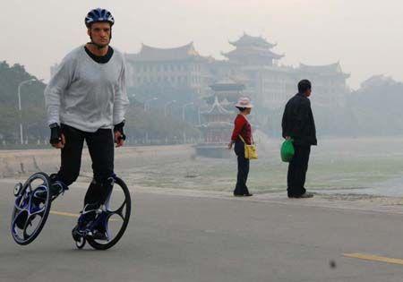 future-minimalist-skates-transportation
