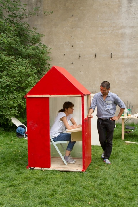 one-sqm-house-world-smallest-house-hartz-iv-mobel-5-580x870