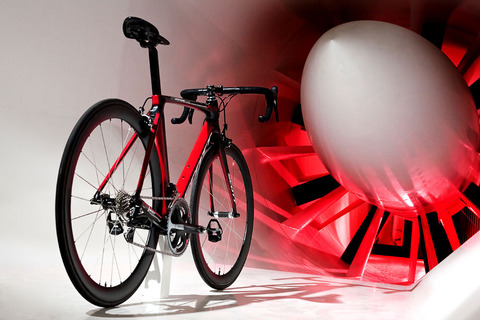2011-scott-f01-aero-road-bike-full-tunnel2
